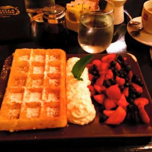 B Too Brunch - Waffles